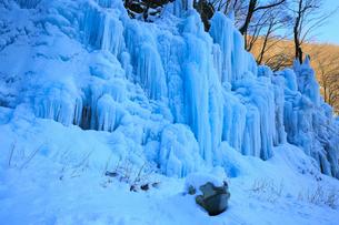 飛騨大鍾乳洞・氷の渓谷の写真素材 [FYI02676443]