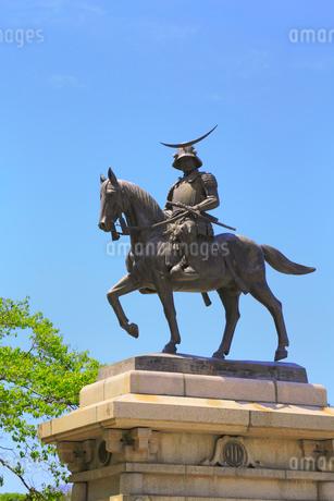仙台城跡 伊達政宗公騎馬像の写真素材 [FYI02676535]