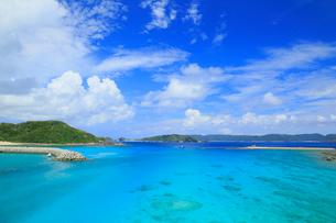 慶良間諸島,阿嘉島,阿嘉大橋から望む海の写真素材 [FYI02676584]