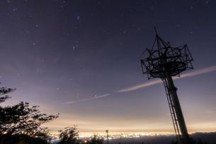 堂平天文台 星景の写真素材 [FYI02676642]