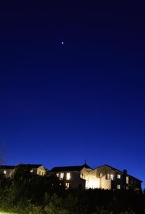 地中海村の夕景の写真素材 [FYI02676686]