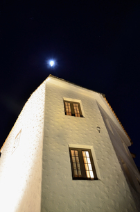 地中海村の夕景の写真素材 [FYI02676687]