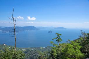 宮島弥山山頂の展望台より瀬戸内海の写真素材 [FYI02676714]