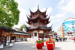 七宝老街、入口の鐘楼の写真素材 [FYI02676788]