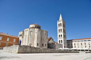 聖ドナト教会とストシャ大聖堂の鐘楼の写真素材 [FYI02677034]