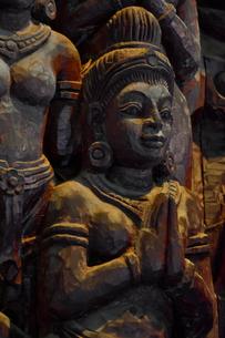 サンクチュアリ・オブ・トゥルースの木彫の写真素材 [FYI02677081]