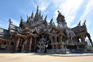木造の寺院 サンクチュアリー・オブ・トゥルースの写真素材 [FYI02677110]