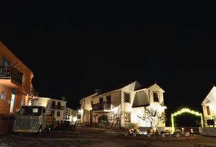 地中海村の夕景の写真素材 [FYI02677329]