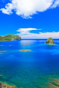 小笠原諸島父島 海岸通りから望む二見湾の写真素材 [FYI02677373]