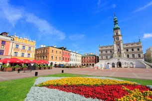 ザモシチ 大市場広場と市庁舎の写真素材 [FYI02677428]