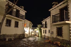 地中海村の夕景の写真素材 [FYI02677450]