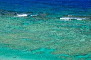 奄美大島 大浜海浜公園より望む東シナ海の写真素材 [FYI02677588]