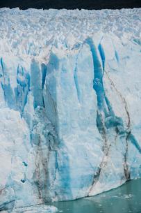 ペリトモレノ氷河の氷壁の写真素材 [FYI02677784]