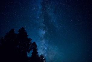 アッパークラマスレイクの星空の写真素材 [FYI02677843]