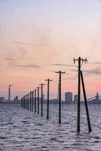 江川海岸 海中電柱の写真素材 [FYI02677930]