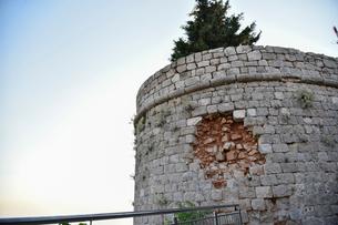 城壁の砲弾痕の写真素材 [FYI02678179]