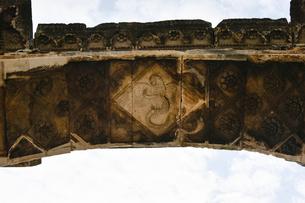 セルギ門上部内側のレリーフの写真素材 [FYI02678503]