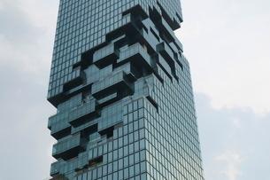 タイ・バンコクのマハナコーンタワーの写真素材 [FYI02678588]