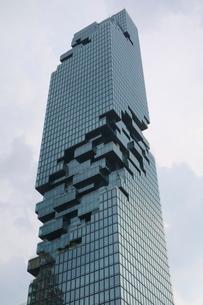 タイ・バンコクのマハナコーンタワーの写真素材 [FYI02678641]