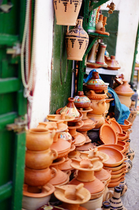 モロッコ、ティトゥアンのお店の写真素材 [FYI02678657]