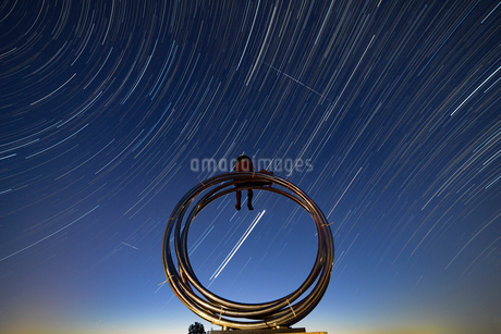 霞ケ浦総合公園のモニュメントと星の写真素材 [FYI02678739]