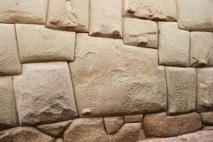 クスコ市内の12角の石の写真素材 [FYI02678748]