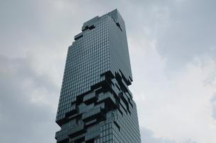 タイ・バンコクのマハナコーンタワーの写真素材 [FYI02678905]