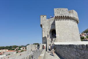 ドゥブロヴニク旧市街のミンチェタ要塞の写真素材 [FYI02678951]
