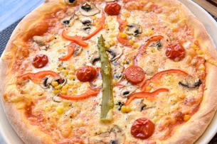 外国,クロアチアのピザの写真素材 [FYI02678975]