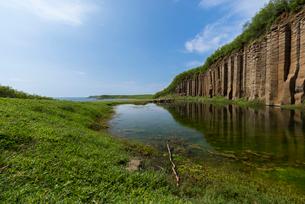 澎湖諸島 馬公 大菓葉柱状玄武岩の写真素材 [FYI02679309]