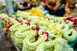 バンコクの屋台で売られるプアンマーライの写真素材 [FYI02679378]