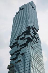 タイ・バンコクのマハナコーンタワーの写真素材 [FYI02679827]