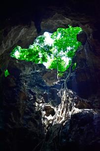 カオ・ルアン洞窟寺院 景観の写真素材 [FYI02679838]