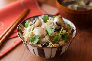 牡蠣の炊込みご飯の写真素材 [FYI02679849]