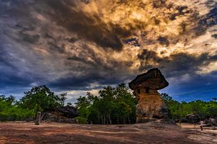 Phu Phra Bat Historical Park, Thailandの写真素材 [FYI02680093]