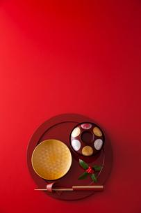 お正月の和食器の写真素材 [FYI02680173]
