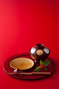 お正月の和食器の写真素材 [FYI02680429]