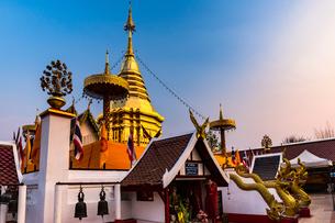 タイ チェンマイ ワット・プラタート・ドーイカムの写真素材 [FYI02680525]