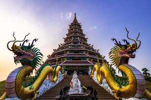タイ チェンライ ワット・フアイプラカンの写真素材 [FYI02680560]