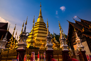 タイ チェンマイ 旧正月のワット・パンタオの写真素材 [FYI02680593]
