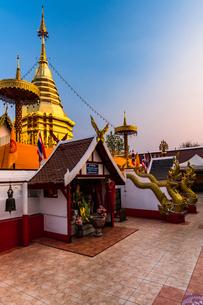 タイ チェンマイ ワット・プラタート・ドーイカムの写真素材 [FYI02680627]