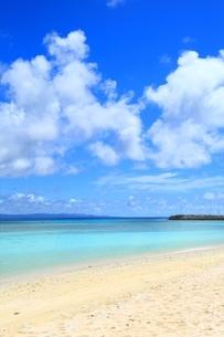 波照間島 ニシ浜と青い海の写真素材 [FYI02680779]
