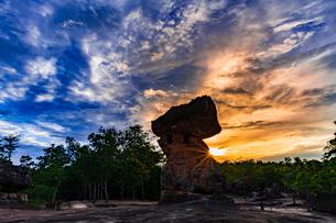 Phu Phra Bat Historical Park, Thailandの写真素材 [FYI02681088]