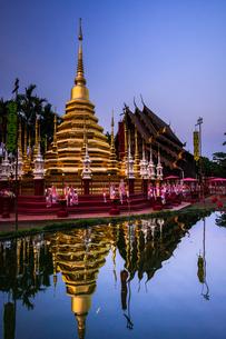 タイ チェンマイ 旧正月のワット・パンタオの写真素材 [FYI02681444]