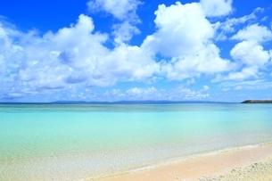波照間島 ニシ浜と青い海の写真素材 [FYI02681511]