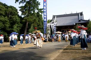 滝の宮念仏踊りの写真素材 [FYI02681900]