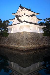 讃岐高松城跡 艮櫓の夕景の写真素材 [FYI02681962]