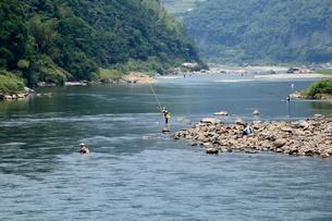 仁淀川の鮎釣りの写真素材 [FYI02681982]
