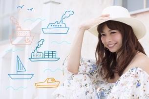 帽子に手を当てる女性のイラスト素材 [FYI02682258]