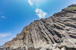 46億年を感じる立岩の写真素材 [FYI02682477]